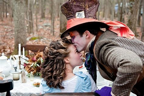8 Retro Ways To A Mad Inspired Wedding by Mad Hatter Tea Themed Wedding Pictures Geekologie