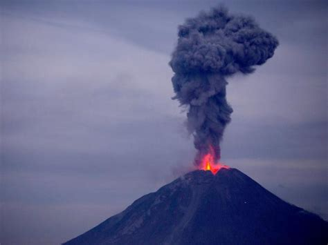 emirates volcano bali volcano alert uae flights cancelled