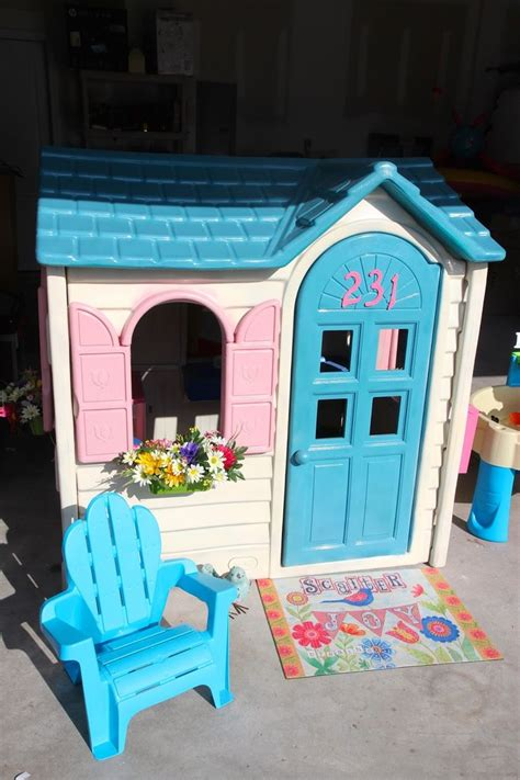 tikes playhouse with brown roof 25 best ideas about tikes playhouse on