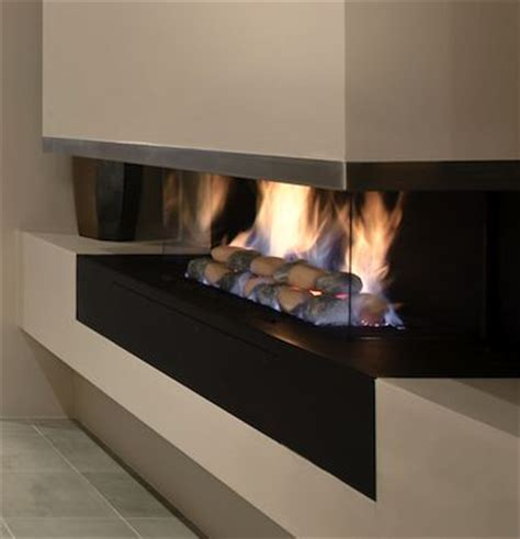the jetmaster horizon cantilever gas fireplace features a