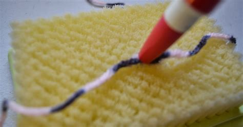 adding yarn when knitting closet crafter new way to add yarn while knitting no