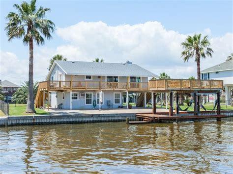 bay boat rental galveston 186 best rental homes images on pinterest rental homes