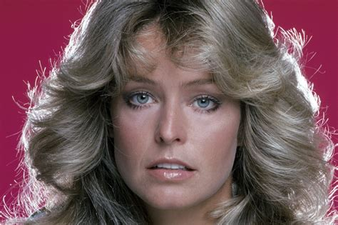 Farrah Faucet by Farrah Fawcett S Flip Hairstyle The Years