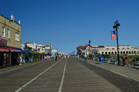 living on a boat in jersey new jersey pros and cons find your best place