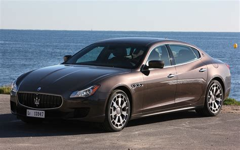 2014 maserati quattroporte v 8 front three quarter 2 photo 7