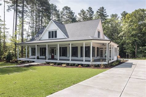 farm style houses dream home white farmhouse southern living and southern