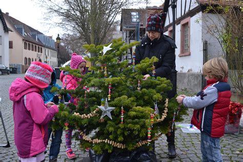 warum schm 252 cken wir den weihnachtsbaum my blog
