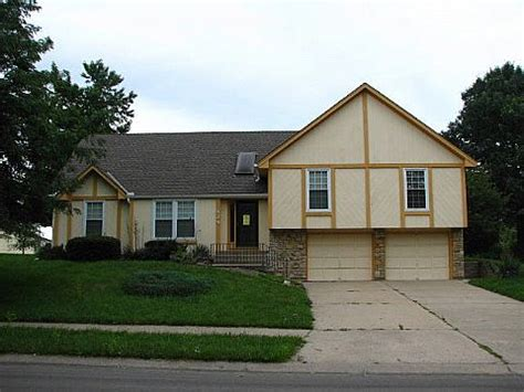 houses for sale in lees summit mo 424 ne mulberry street lees summit mo 64086 foreclosed