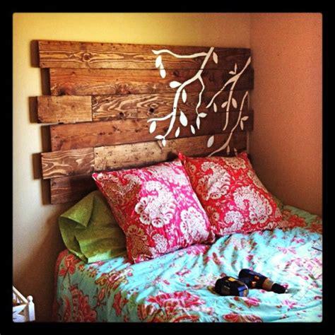 diy headboard  wooden pallets