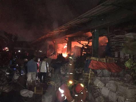 Kerang Di Pasar Kramat Jati kebakaran di pasar induk kramat jati sudah padam kerugian