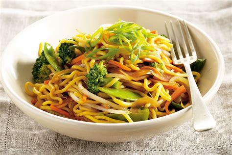 egg noodles vegetables