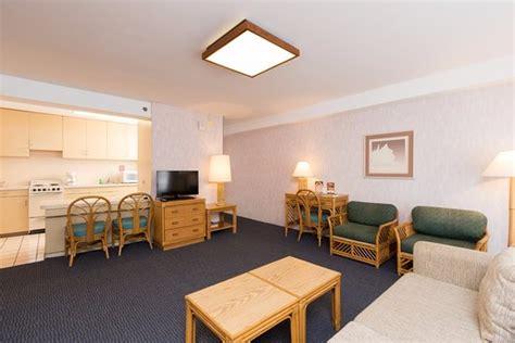 2 bedroom suites in honolulu hawaii 2 bedroom suites honolulu 28 images the one bedroom