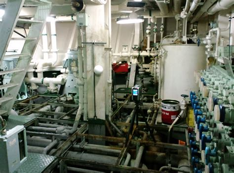 cruise ship engine room ship engine room images
