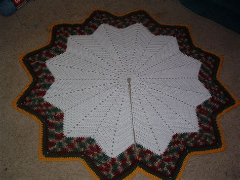 christmas ripples tree skirt pattern another round ripple tree skirt pattern by lisa pic from