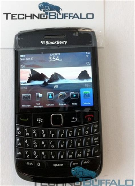 Hp Blackberry Bold 9780 new photo of blackberry bold 9780 emerges