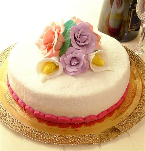 panna montata fatta in casa pi 249 di 25 fantastiche idee su torte con fiori su