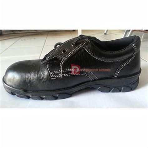 Sepatu Merk Next dimensidutadayanindo sepatu safety merk optima