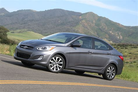 Hyundai Reviews 2015 2015 hyundai accent review autoguide