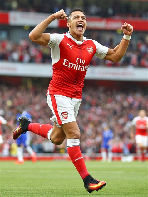 alexis sanchez injury news arsenal injury news bellerin misses full training as