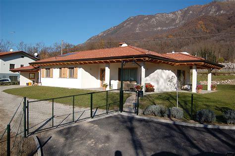Casa Con Portico by Casa Con Portico Great Liare La Casa Con Un In Legno