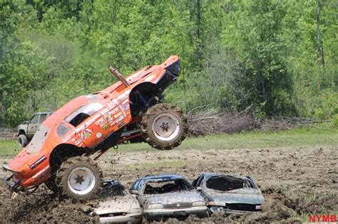 monster trucks mudding videos 100 monster truck mud bogging videos extreme off