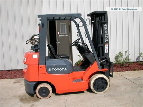 toyota model 7fgcu25 2004 5000lbs capacity lpg cushion