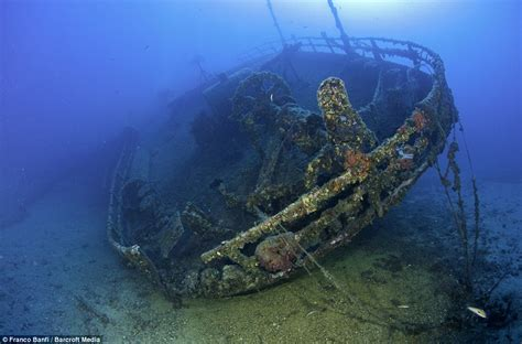 titanic real boat underwater pictures of the real titanic underwater www imgkid