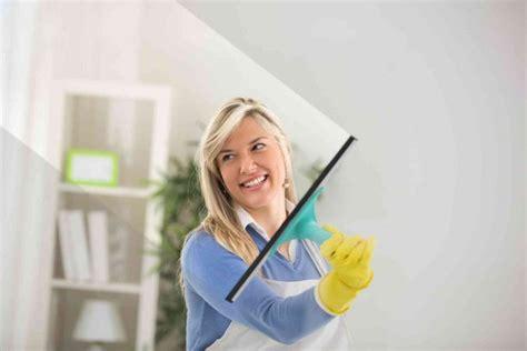 come pulire i vetri della doccia come pulire i vetri interni ed esterni donnad