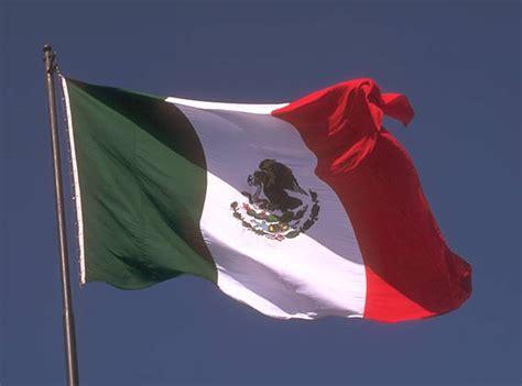 imagenes de banderas blancas hispane memento significado de las banderas