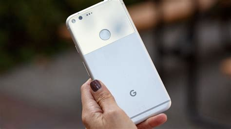hands on with pixel the most googley android phone ever greenbot google podr 237 a vender hasta 6 millones de pixel para 2017