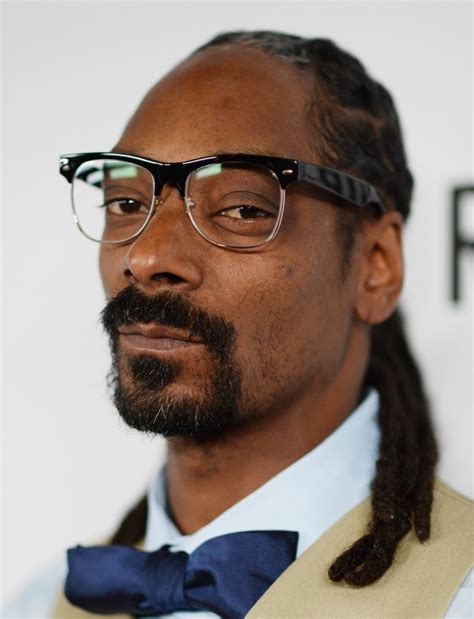 Snoop Dogg snoop dogg to host quot turf d up quot sports talk show leading up