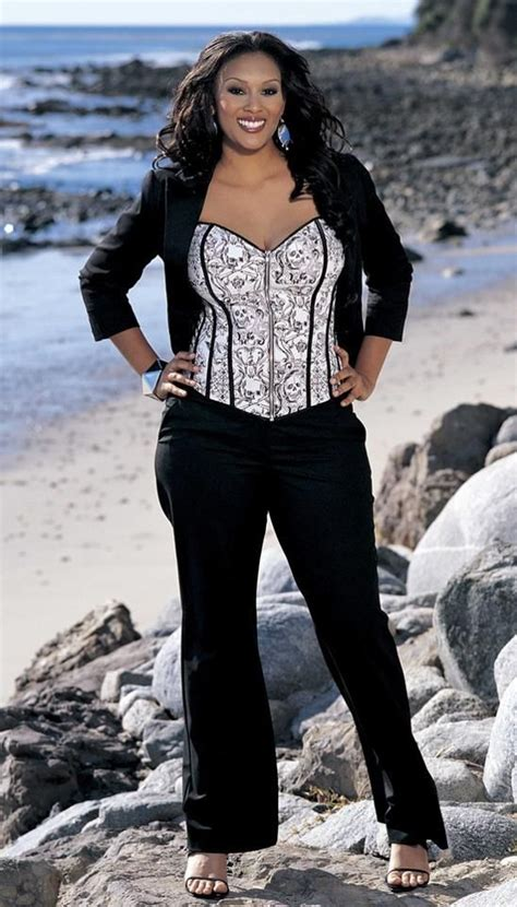 pictures of full figured women full figure curvy women fashion how would you like to