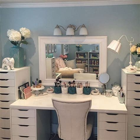 Makeup Vanity Decorating Ideas 25 Best Ideas About Ikea Makeup Vanity On Pinterest