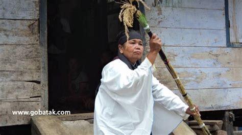 Kaos Request Tulisan Marga Batak teladan parbaringin sebagai pendeta agama batak