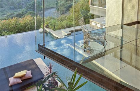 Glass Floor | glass floor interior design ideas