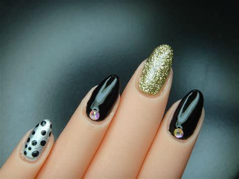imagenes de uñas en negro con dorado u 241 as pintadas de negro con dorado youtube