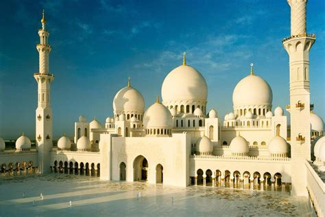 top 10 dubai and abu dhabi eyewitness top 10 travel guide books abu dhabi sightseeing tour up from dubai top 10