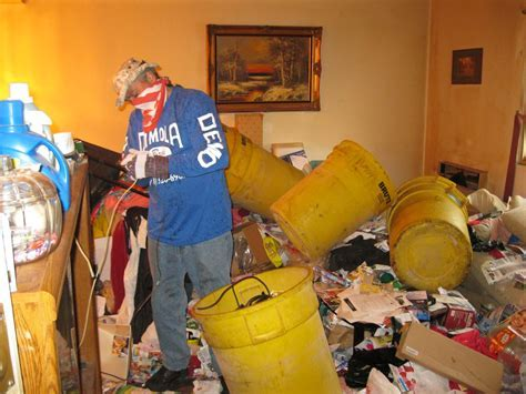 Obsessive Compulsive Hoarding Disorder Apartment Cleanup