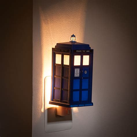 Doctor Who Tardis Night Light Thinkgeek Dr Who Lights