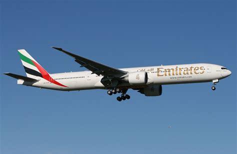 Emirates Boeing 777 300er | file emirates boeing 777 300er mel zhao jpg wikipedia