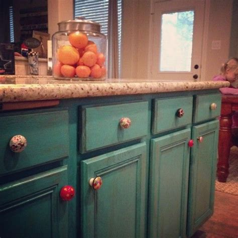 mismatched kitchen cabinets mismatched knobs looooove for the home pinterest