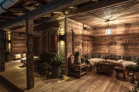 wellnessbereich privat alpen luxus chalet mit wellness pool schmiedalm