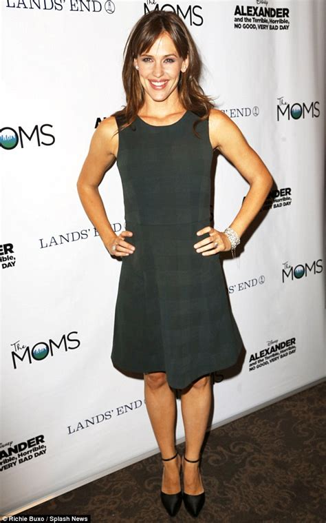 Get A Tone Green Dress Like Garners From Appearance On Letterman by Garner Shines Promoting And The