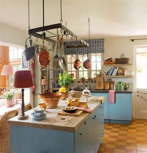 suspension cuisine rouge