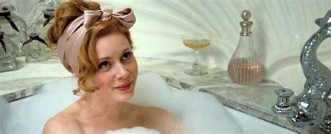 amy adams bathtub to da loos bathrooms from the movies miss pettigrew