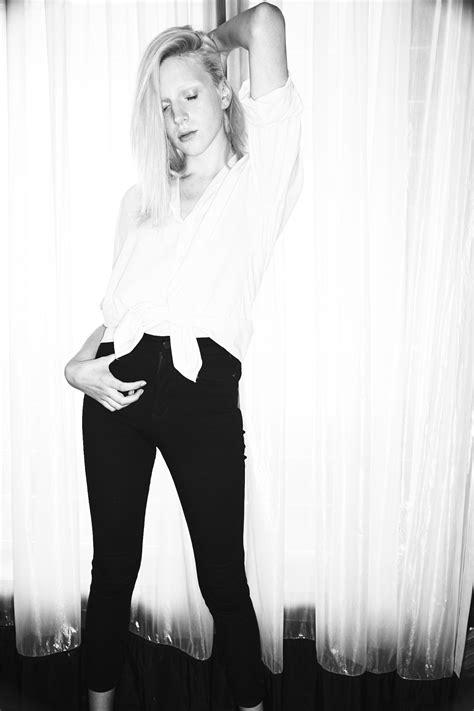 Sonny Vandevelde - Gemma Cowling from Chadwicks Model