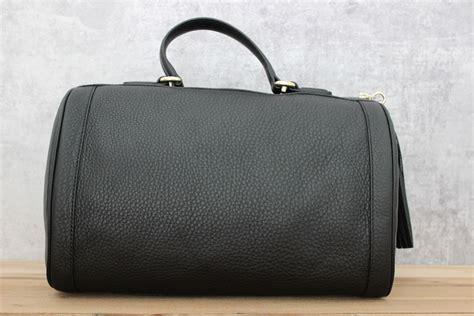 J Gucci Soho Kas gucci black leather soho boston tassel bag