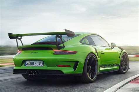 porsche 911 gt3 rs green is the porsche 911 gt3 rs painted green to tell us