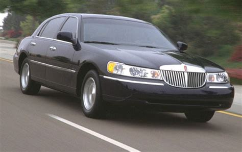 how to learn all about cars 2000 lincoln navigator engine control 2000 lincoln town car gas tank size specs view manufacturer details