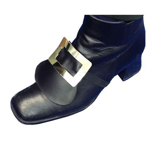tales of metal shoe buckle